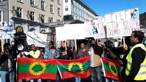 Oromo Activists in Norway Demonstrate Against the TPLF Ethiopian Regime's Human Rights Violations Against Oromos (Bergen, March 21, 2015)